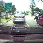 【事故動画】道路を渡ろうとして思いっきり轢かれてしまう女子高生。
