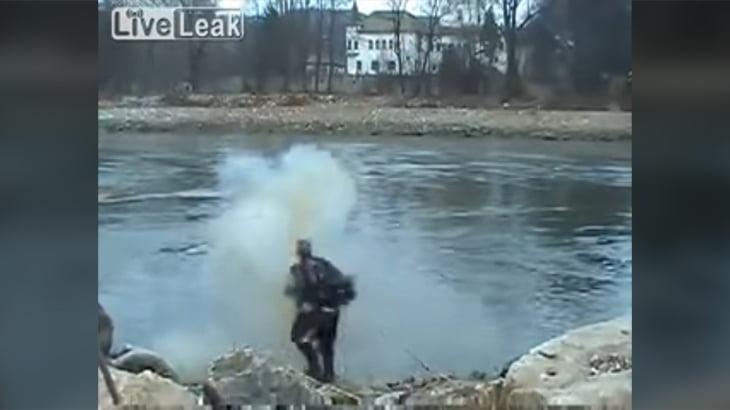 【衝撃映像】威力をあげた違法花火で右手が吹き飛んでしまうグロ動画。