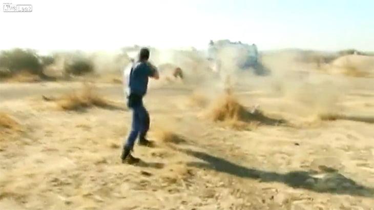 【衝撃映像】ストライキ中の労働者と警官が衝突。十数人が銃殺される。