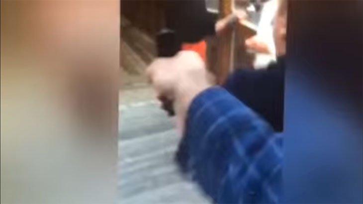 TV中継中に記者とカメラマンを射殺する衝撃映像。