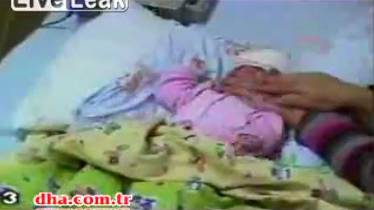 生まれたばかりの我が子を窒息死。口と鼻を押さえて殺そうとする母親の動画。