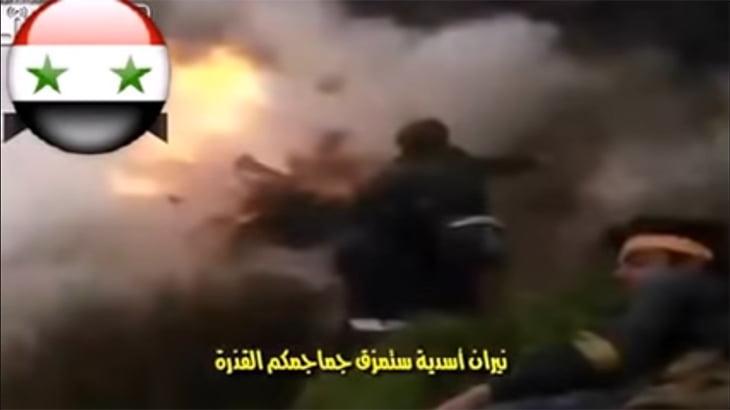 砲撃をもろに受けて身体がはじけ飛ぶグロ動画。