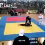 柔道の試合中、首から落ちて四肢麻痺になってしまった少年の動画。