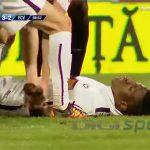 サッカーの試合中に突然死んでしまった選手の動画。