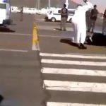 【閲覧注意】7歳の我が子を殺した女性、道路で公開斬首刑となるグロ動画。