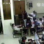 インターネットカフェでなぜか感電死した男の動画。