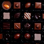 """【衝撃映像】チョコの中から """"とある生物"""" が・・・。もう食べれる気がしない。"""