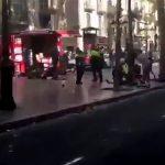 【閲覧注意】バルセロナで起きたテロ事件。13人が死亡、100人が負傷したグロ動画。