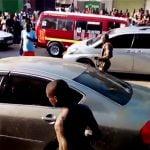 車を盗んだ男、黒魔術により全裸になって踊り始める。