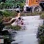 子どもたちだけで川で遊ばせてはいけない。