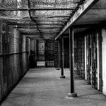 """【超!閲覧注意】ブラジルの刑務所内で """"この世の地獄"""" のようなグロ動画が撮影される・・・。"""