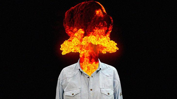 """【超!閲覧注意】散弾銃で """"頭を撃ち抜かれた"""" 人間のグロ動画。"""
