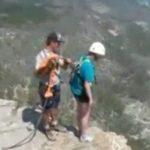 【恐怖】バンジージャンプに挑戦した女性、インストラクターのせいでただの飛び降り自殺に・・・。
