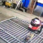 【衝撃映像】溶接作業中にドラム缶が爆発。吹き飛ばされる男性が危険な状態に・・・。