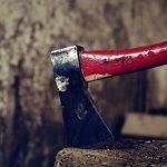 """【超!閲覧注意】斧で """"人間の首を切る"""" トラウマになりそうなグロ動画・・・。"""