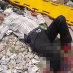 【閲覧注意】線路を横断しようとした男性、列車に轢かれて両足切断されてしまったグロ動画。