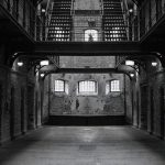 【超!閲覧注意】囚人が囚人をバラバラに・・・その死体画像がヤバすぎる・・・。