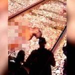 【閲覧注意】列車に轢かれて真っ二つになってしまったグロ動画。