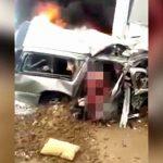 【閲覧注意】トラックとの衝突事故により頭部が切断されてしまったグロ動画。