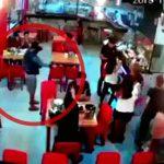 【衝撃映像】レストランで食事中にヘッドショット一発で殺される男性。