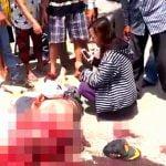 【超!閲覧注意】頭を潰され脳ミソが・・・車に轢かれた男性のグロ動画。