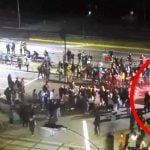 【衝撃映像】酔っ払った男、デモ隊に車で突っ込み2人を殺し20人を負傷させてしまう。