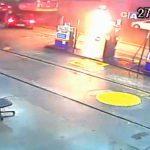 【衝撃映像】自分の体にガソリンを振りかけて焼身自殺をはかった男、生き延びてしまう・・・。