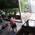 【閲覧注意】ムカつく相手の家を襲撃した男、逆に鎌で脚を斬られてしまう。