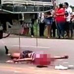 【閲覧注意】自転車乗りさん、トラックに轢かれて頭が無くなってしまう・・・。