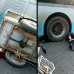 【閲覧注意】バスに轢かれた2人の人間。引きずられた血の跡が・・・。