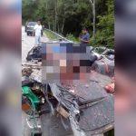 【閲覧注意】ペシャンコにされた車に潰された人間の死体が・・・。