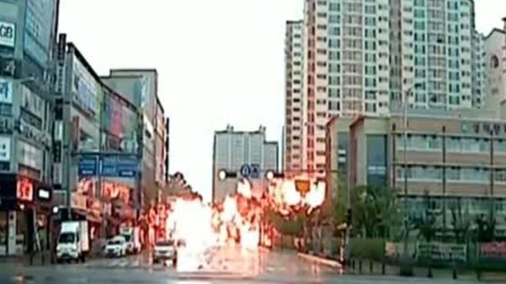 【衝撃映像】ヘリコプター墜落の瞬間。まるでミサイル・・・。