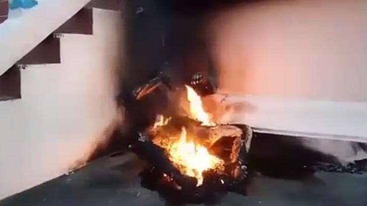 【閲覧注意】焼身自殺した男のグロ動画・・・。