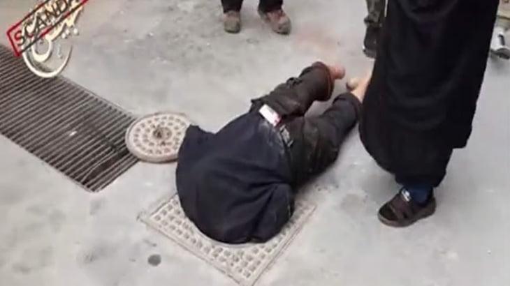 【閲覧注意】処刑人「頭を撃って処刑すると血で汚れるからマンホールにブチ込むわww」