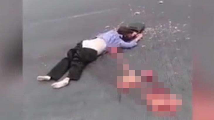 【閲覧注意】内臓を引きずり出されたかのようにして死んだ女性のグロ動画・・・。