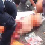 【超!閲覧注意】事故で死亡した人間の死体をラップで巻いて回収するグロ動画。