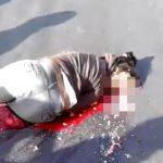 【閲覧注意】ノーヘルでバイクに乗っていた女性、転倒して頭が割れてしまったグロ動画・・・。