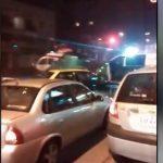 【衝撃映像】ヘリコプターが道路でグルグル回ってるんだけど・・・。