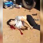【閲覧注意】バイク事故の男性が身体をビクビク痙攣させる恐ろしい映像・・・。