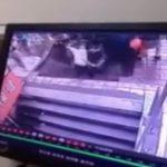【衝撃映像】中国、歩道が突然陥没してしまう・・・。