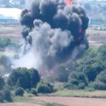 【衝撃映像】航空ショー中に飛行機が墜落。7名が死亡したアクシデント。