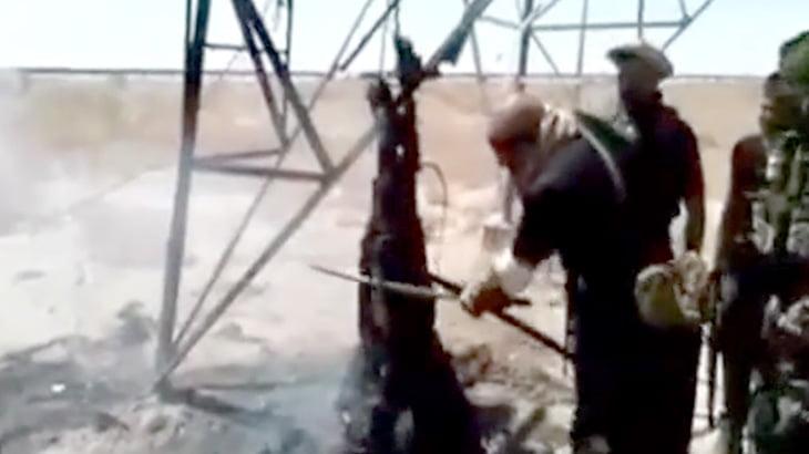 【衝撃映像】ISISさん、人間ケバブにされてしまう・・・。