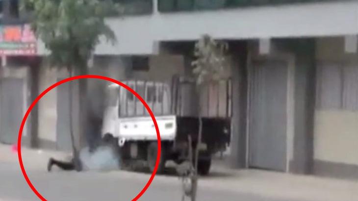 【衝撃映像】爆発物処理に失敗した作業員の男性、死亡・・・。
