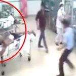 【衝撃映像】病院に搬送された患者を心配するフリをして近づきナイフで刺す男。