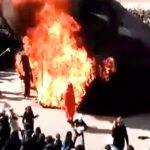 【衝撃映像】イベント中、黒いテントが燃えて火だるまになってしまうアクシデント。