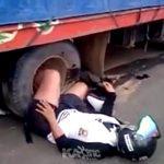 【閲覧注意】トラックに轢かれて左足を切断されてしまった女性、発狂してしまう・・・。
