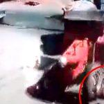 操縦不能となったトラクターにがっつり轢かれてしまった女性。