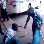 インドのイカれたおじいちゃん、口論相手を持っていた鎌で刺してしまう・・・。
