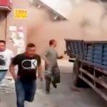 【衝撃映像】建物を下から解体中、全棟が倒壊してしまう瞬間。