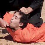 【超!閲覧注意】ISISが公開した斬首した頭を棒に突き刺すグロ動画。